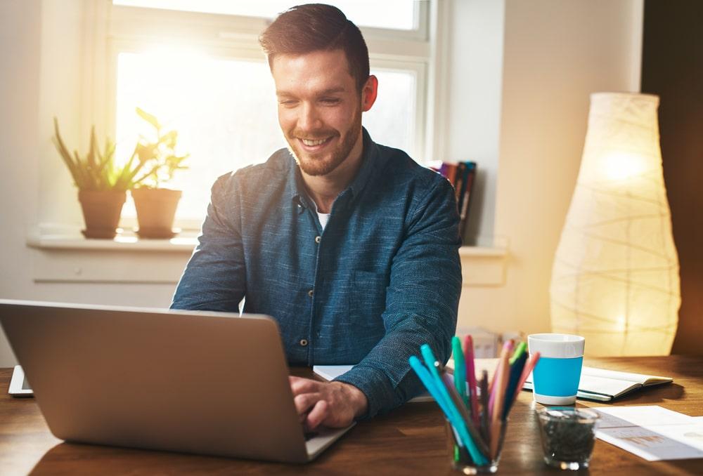 Músicas para trabalhar em casa e aumentar a produtividade